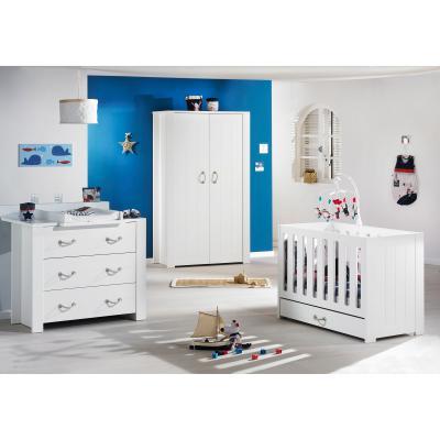 Mister bouh est une collection de la marque sauthon baby déco qui réunit de nombreux articles pour décorer une chambre de bébé comme un tour de lit